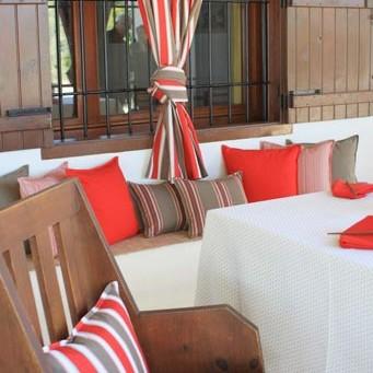 coussin rideaux outdoor rouges blanc