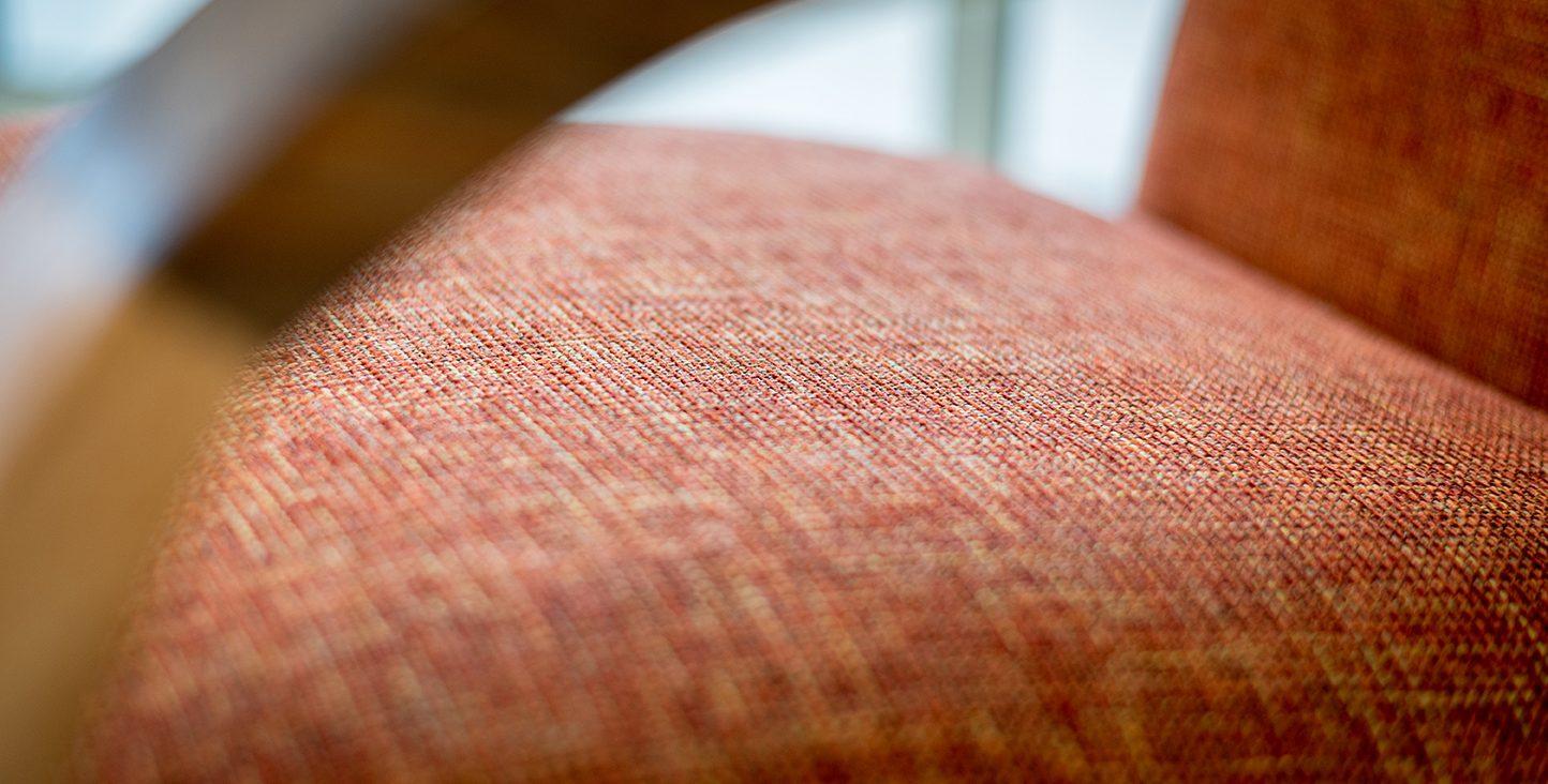 Fauteuil en tissu chiné